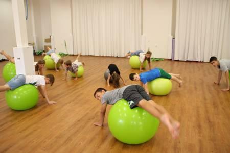 děti-cvičení zmenšený