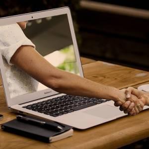 Od října platby za skupinové lekce a semináře pouze on-line