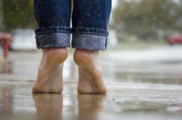 Barefoot VS Footwear – in walking and running