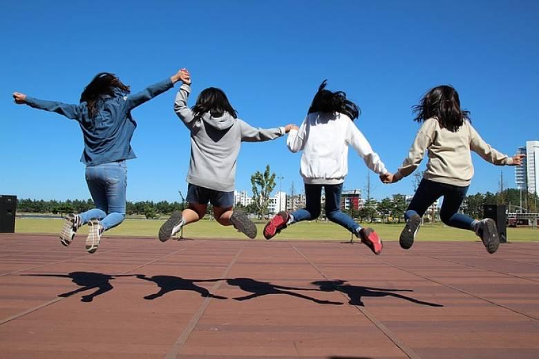 Zdravotní cvičení dětí 8-10 let s fyzioterapeutem v malé skupince