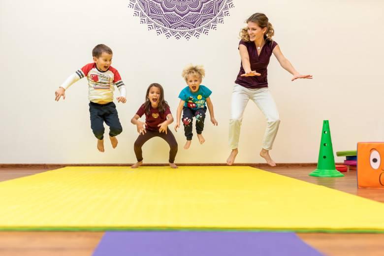 Zdravotní cvičení dětí 7-10 let s fyzioterapeutem v malé skupince